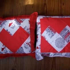 almofadas coração vermelho