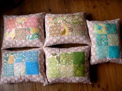 almofadas pastel