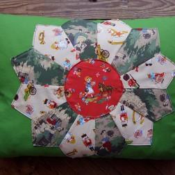 almofada flor verde