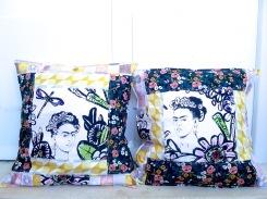 almofadas frida flores